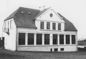 Den gule skole, opført 1911