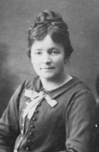 Emilie Fischer ansat 1910  -
